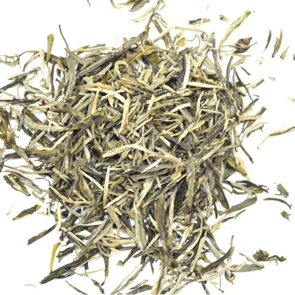Weißer Tee Silver Needle Yin Zhen, weisser Tee in Vollendung aus Fujian