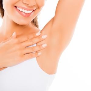 keine Hautirritation nach Achselrasur mit Arganöl